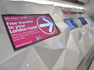 BHRC Heathrow Terminal 2, Arrivals Hall, AnglijaNaziv projekta: Pult v avli - PrihodiOblikovalci: Battistini AugustusFotograf: Award Photography