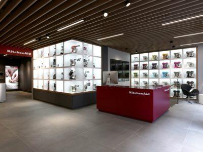 KitchenAid Store, Wigmore Street, London, AnglijaNaziv projekta: KitchenAid Experience Store – LondonOblikovalci: koncept: Maestria. Podroben Design: Battistini AugustusFotograf: Award Photography